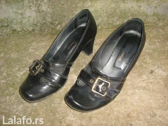 Vrlo udobne i kvalitetne cipele.lepo ocuvane,broj 38 lagane i modern - Prokuplje
