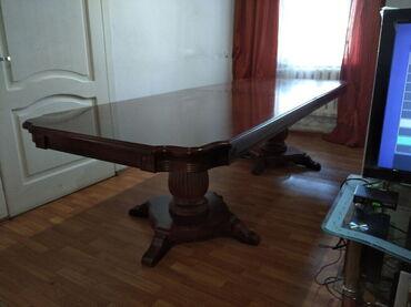 стол и стулья для гостиной в Кыргызстан: Продаётся роскошный фабричный раздвижной стол с фигурными и очень
