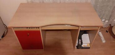 Kuća i bašta - Borca: Izuzetno ocuvan veliki radni sto bez ikakvih ostecenja