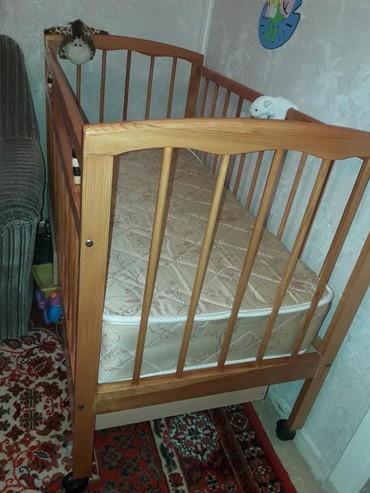 Продается детская кроватка. размеры: 120×60см. к ней прилагается
