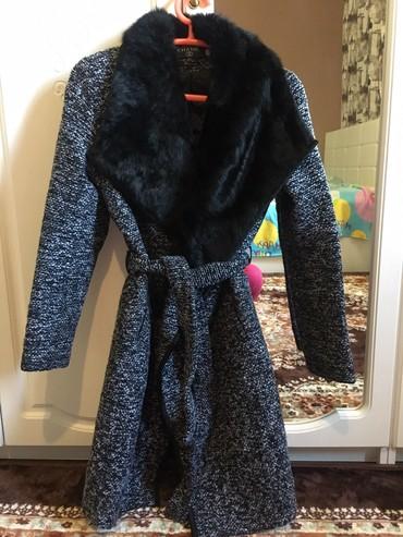 vechernee plate shanel в Кыргызстан: Новое пальто Shanel с натуральным кролечим варатником,варатник не