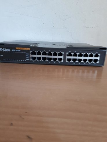 Интернет роутер D-Link DES-1024D 10/100 Fast Enternet Switch 24-port
