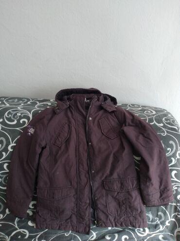 Zimska jakna - Srbija: Duža jakna, lagana i udobna za zimske dane