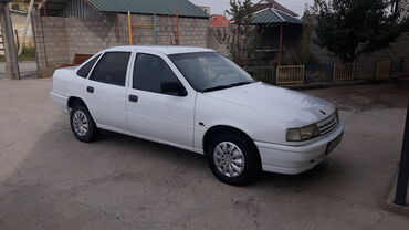 Opel - Кыргызстан: Opel Vectra 1.6 л. 1990 | 200 км
