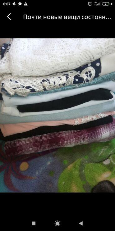 Женская одежда - Мыкан: Восемь фудболок и два платья одам дешева или можно по отдельности