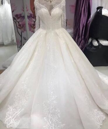 Свадебные платья и аксессуары - Бишкек: Фата кольцо в подарок на продажу .на прокат