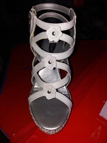 Nove zenske sandale sa ortopedskom petom,jos par brojeva.. - Belgrade