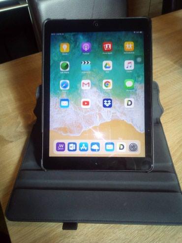 Prodajem tablet iPad 5 (Air 1) 16 Gb u perfektnom stanju. Uz tablet - Subotica