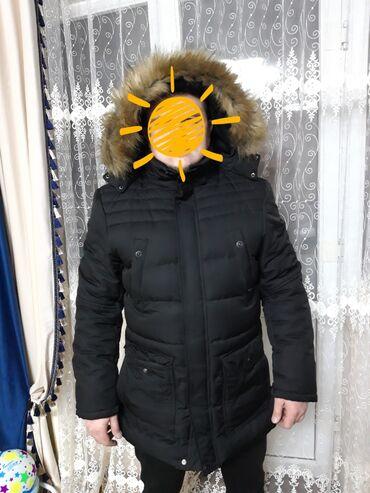 Продаётся мужская зимняя куртка. Чёрного цвета, мех искусственный, оче