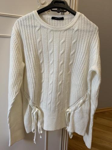 женские-белые-свитера в Азербайджан: Ag Sviter Ela veziyyetdedir,S razmerdir, cox az geyinilib