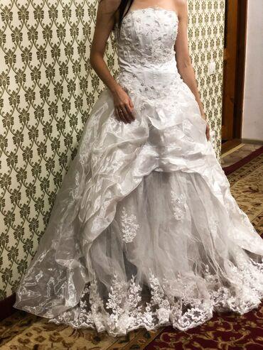 Свадебные платья и аксессуары - Бишкек: Свадебное платье