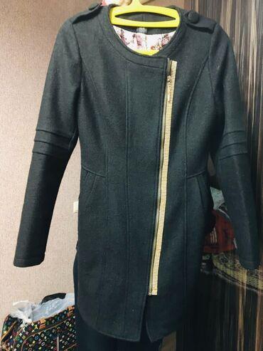 Продаю пальто женское весна-осеньРазмер 42-44Состояние - хорошее Цена
