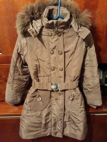 Куртки - Кыргызстан: Продаю зимнюю детскую куртку в идеальном состоянии. Очень теплая