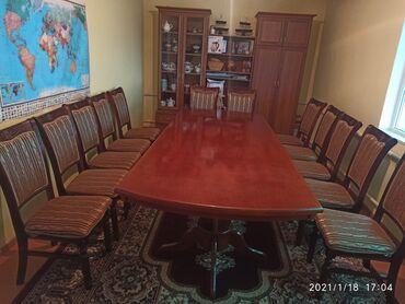 Продается стол с 12стульями. размер стола 2.80 на 1.15 стол в