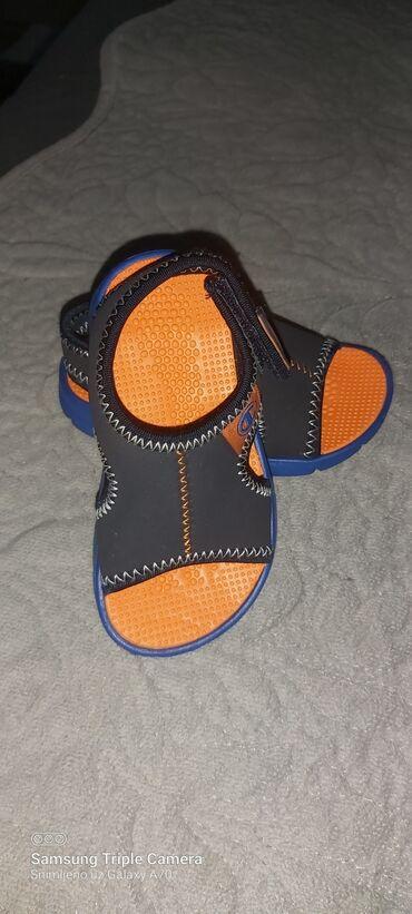 Nove ne nosene sandalice Champion broj 22.gaziste je 13.5 cm