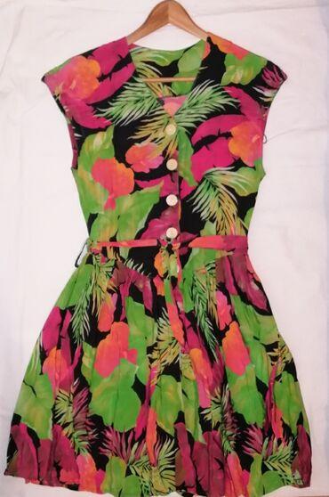 Elegantna,Nova,predivna haljina predivnog dizajna.Strukirana.Do