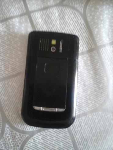 blackberry 7730 - Azərbaycan: Telefon satilir donmur problemi yoxdur elden yere düsmeyib ön və arxa