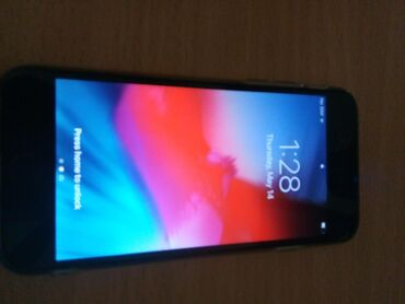 Mobilni telefoni - Lazarevac: Polovni iPhone 6 16 GB Silver