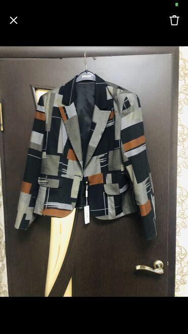 Пиджак женский, новый, покупала в Италии за 6000,размер 52-54, фото и
