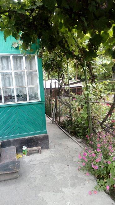 Продаю дом 80кв.м, 4сотки, 7комн, гараж, в Бишкек