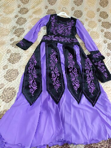 Очень красивое национальное платье,размер 44-46,состояние идеальное,в