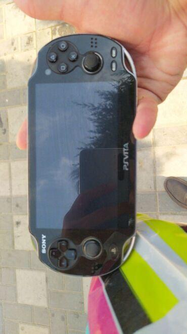 PS Vita (Sony Playstation Vita) - Azərbaycan: Ps vita normal veziyyetdedir  4 gb yaddas karti adapter