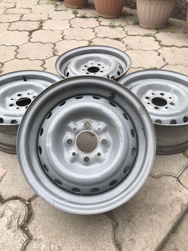 купить титановые диски на ниву в Кыргызстан: Продаю родные штампы  На ваз 2107/\ 2106  Диски на ваз  Лада  Ровные