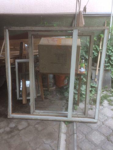 Продаю деревянную оконную раму, ДОСовскую. Размеры: 150x145см в Бишкек