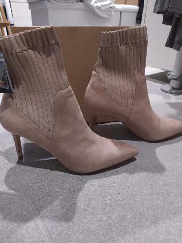 Brand new Zara boots 41size