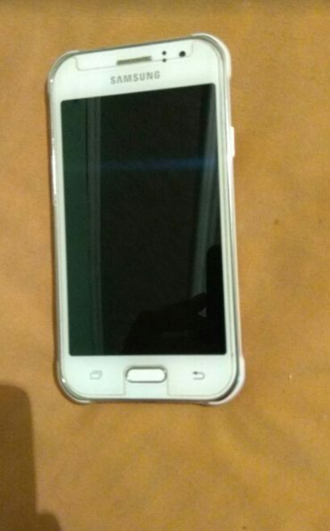 Б/у Samsung Galaxy J1 Duos Белый в Токмак