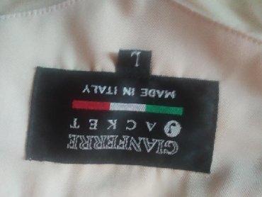 Şəxsi əşyalar - Masazır: Gödəkçə satılır.İtaliya istehsalidir