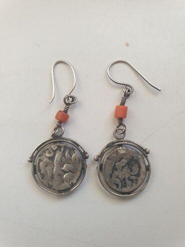 Антикварные старинные серебряные серьги из бухарских монет с кораллом