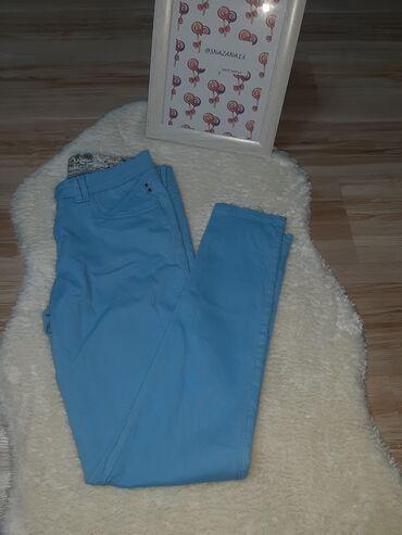 Pantalone cm - Srbija: Prelepe plave pantalone  Materijal: 98% pamuk 2% elastina   M Detaljni