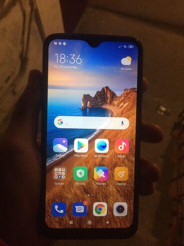 iphone 4s telefon - Azərbaycan: İşlənmiş Xiaomi Redmi 8A 32 GB qara