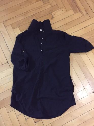 женские рубашки в клетку в Азербайджан: Рубашка женская. В хорошем состоянии. Черная. Стильная. Размер M-xl