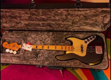 No secret b - Srbija: The new Fender USA Ultra Jazz Bass Texas Tea 2020, Bass is immaculate