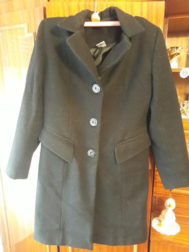 Zenski,duzi crni kaput,jako malo nosen,velicina 46.Moguca zamena - Subotica