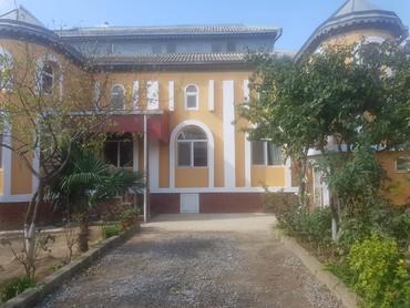 Bakı şəhərində Satlır sabuncu qəsəbəsində 6 sotda 10 otaglı həyət evi