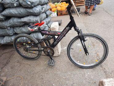 İdman və hobbi Lənkəranda: 20 lik velosiped. Lənkəran şəhəri. Bazarın girişi