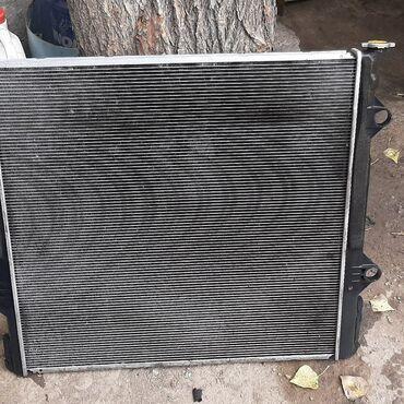 Радиатор на GX 460 оригинал б/у