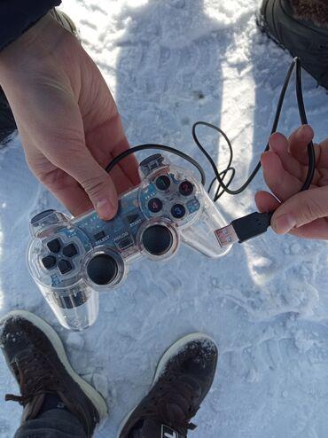 геймпад для гонок в Кыргызстан: Продаю usb геймпад всё отлично работает подайдёт как для компа так и