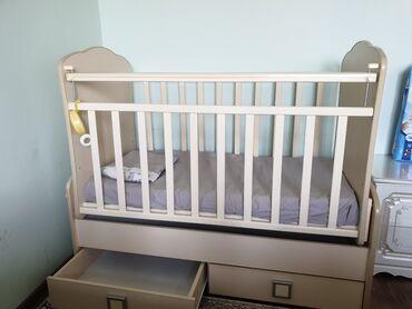 Детская мебель - Цвет: Белый - Бишкек: Продаю детский манеж!!! Почти новый  ИДЕАЛЬНОЕ СОСТОЯНИЕ! Покупали за