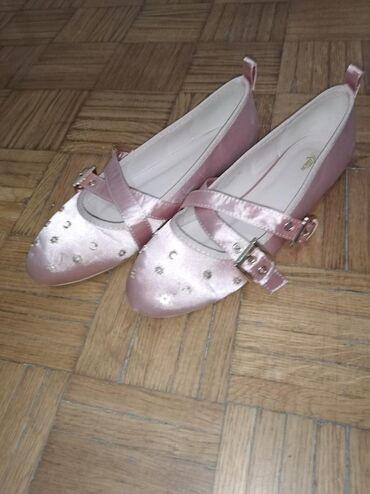 Ženske baletanke korišćene jedanput za maturu. Lepo idu uz sve svečane