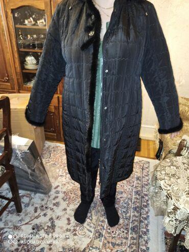 Yeni palto.geynilmeyib.Ciyni-50. Sine- 134.Uzunlug-107. Gol-66