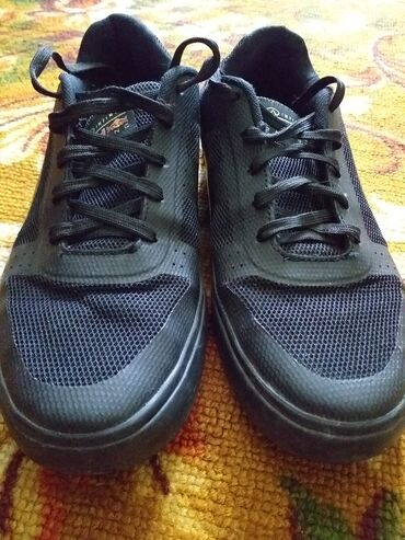 liman кроссовки в Кыргызстан: Продаётся! Не порвано! Не пахнет!