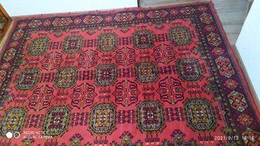 Продаю ковры в хорошем состоянии. Красный ковер шерсть размер второй