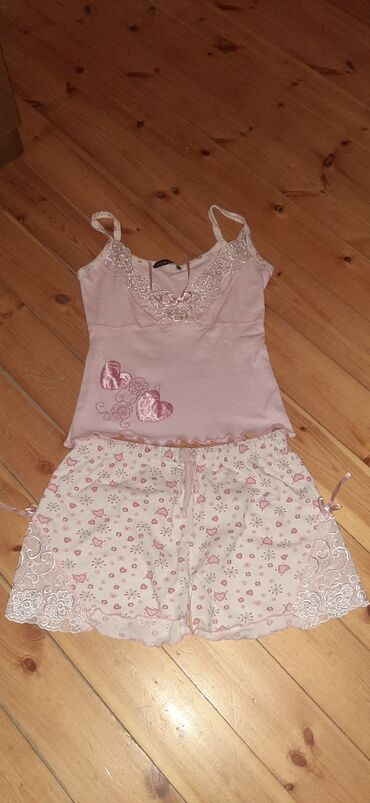 pijama - Azərbaycan: Teze pijama(ev kostumi).S razmer.6 azn