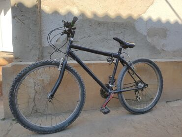 Спорт и хобби - Кызыл-Суу: Велосипед сатылат