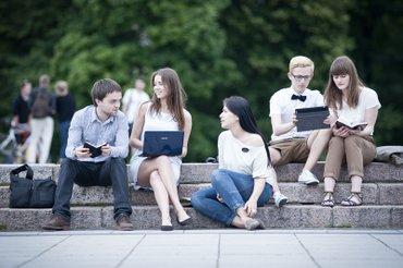требуется студенты старших курсов в в Бишкек