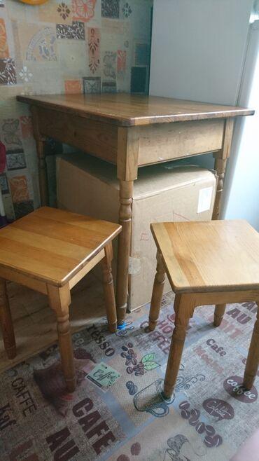 Продам деревянный стол и 4 стула (комплект) в хорошем состоянии. Цена